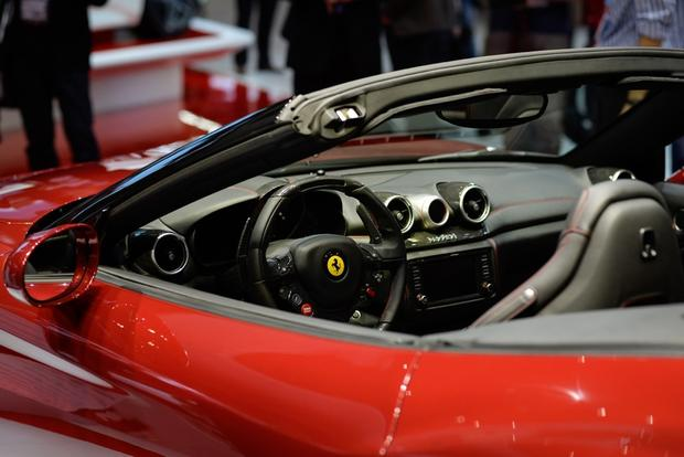 2015 Ferrari California T: Geneva Auto Show featured image large thumb6