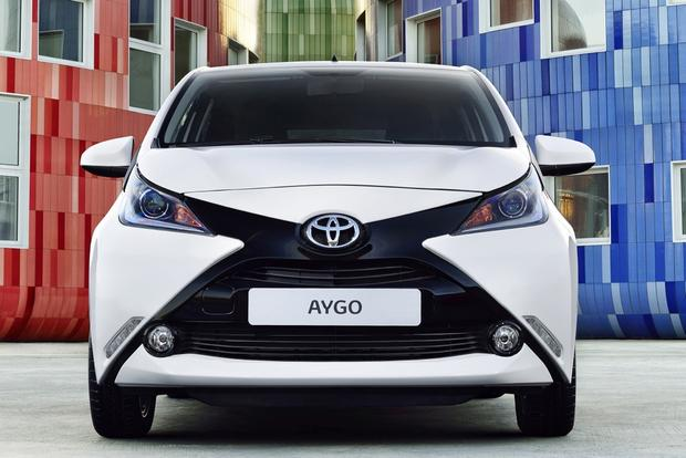 2014 Toyota Aygo: Geneva Auto Show featured image large thumb2
