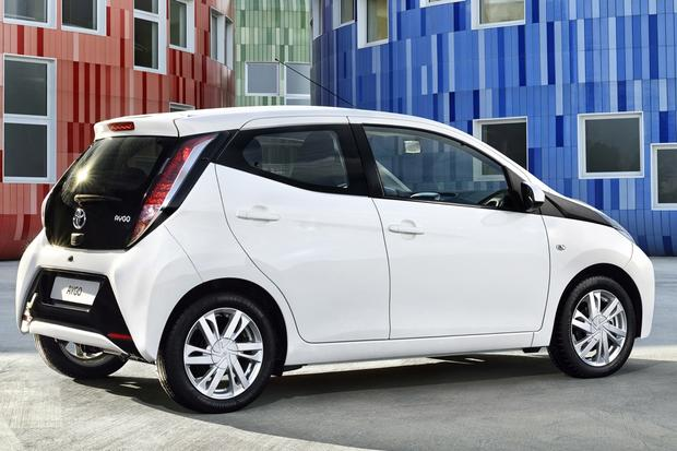 2014 Toyota Aygo: Geneva Auto Show featured image large thumb4