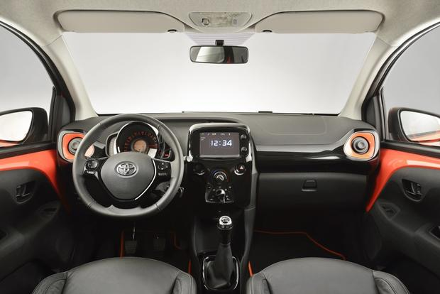 2014 Toyota Aygo: Geneva Auto Show featured image large thumb5