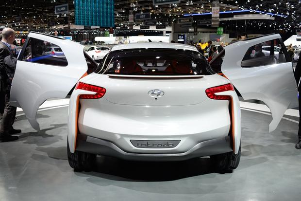 Hyundai Intrado Concept: Geneva Auto Show featured image large thumb2