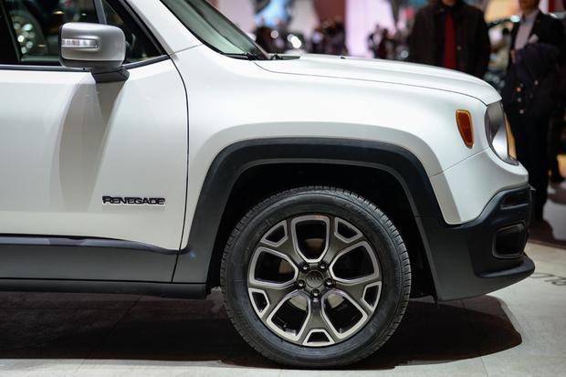 2015 Jeep Renegade: Geneva Auto Show featured image large thumb5