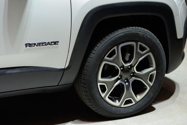 2015 Jeep Renegade: Geneva Auto Show featured image large thumb6