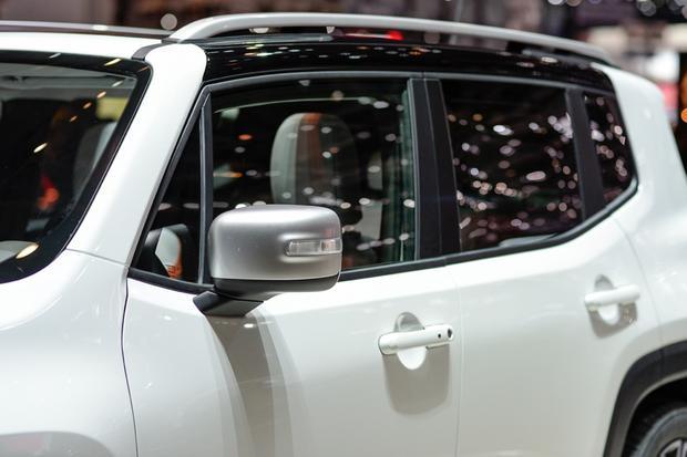 2015 Jeep Renegade: Geneva Auto Show featured image large thumb7
