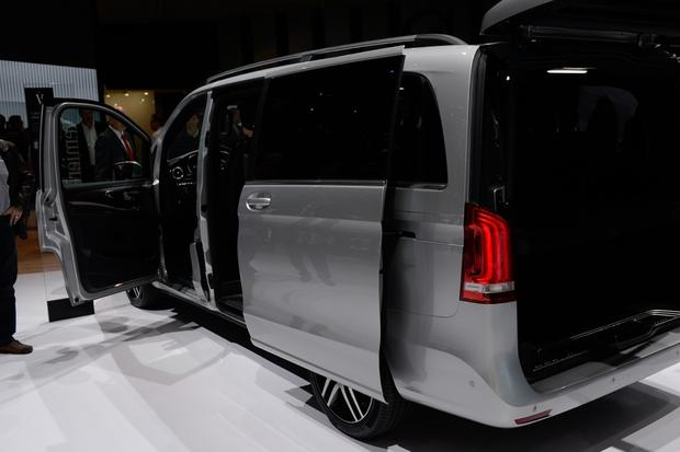Mercedes-Benz V-Class: Geneva Auto Show featured image large thumb5
