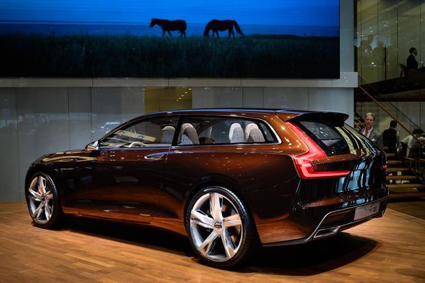 Volvo Concept Estate: Geneva Auto Show featured image large thumb0