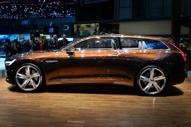 Volvo Concept Estate: Geneva Auto Show featured image large thumb2
