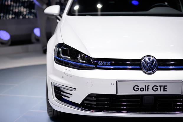 Volkswagen Golf GTE: Geneva Auto Show featured image large thumb0