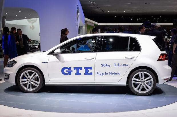 Volkswagen Golf GTE: Geneva Auto Show featured image large thumb2