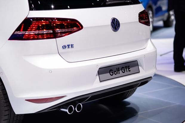 Volkswagen Golf GTE: Geneva Auto Show featured image large thumb5