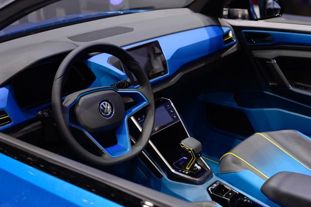 Volkswagen T-ROC Concept: Geneva Auto Show featured image large thumb6