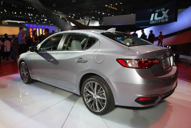 2016 Acura ILX: LA Auto Show featured image large thumb4