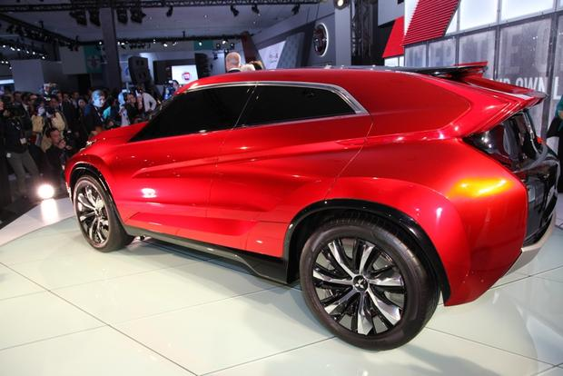 Mitsubishi Concept XR-PHEV: LA Auto Show featured image large thumb4
