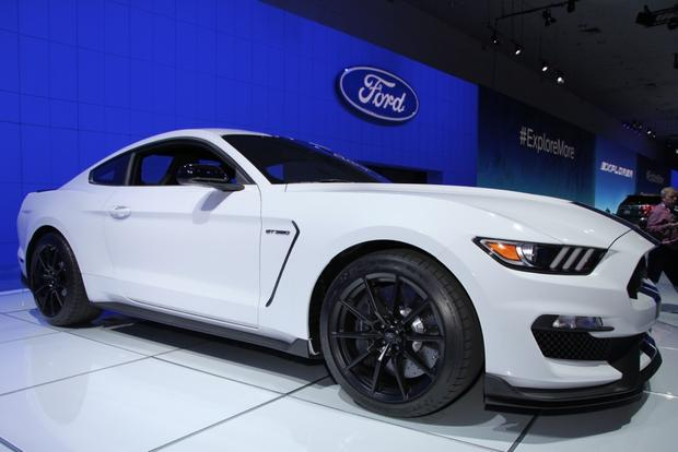 Ford Shelby GT350 Mustang: LA Auto Show featured image large thumb2