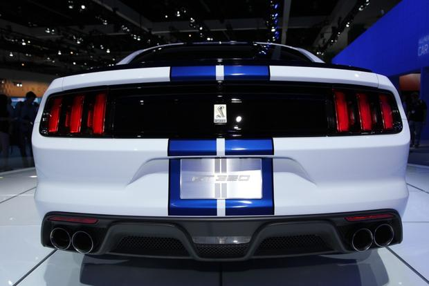 Ford Shelby GT350 Mustang: LA Auto Show featured image large thumb4