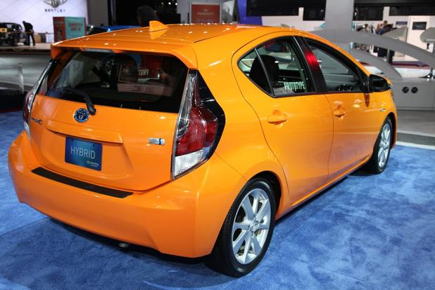differences between 2014 and 2015 prius autos post. Black Bedroom Furniture Sets. Home Design Ideas