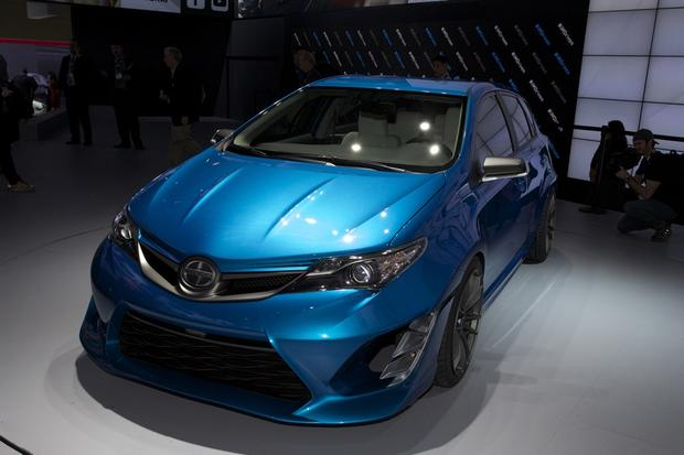 Scion iM Concept: LA Auto Show featured image large thumb4