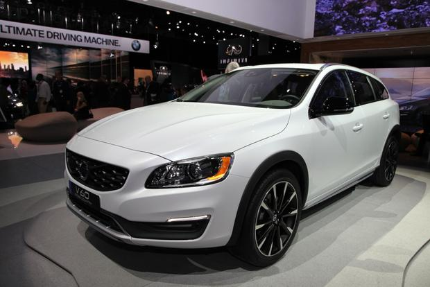 2015 Volvo V60 Cross Country: LA Auto Show featured image large thumb0
