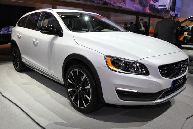 2015 Volvo V60 Cross Country: LA Auto Show featured image large thumb2