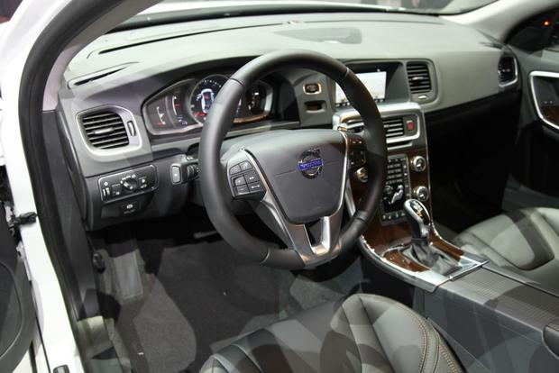 2015 Volvo V60 Cross Country: LA Auto Show featured image large thumb6