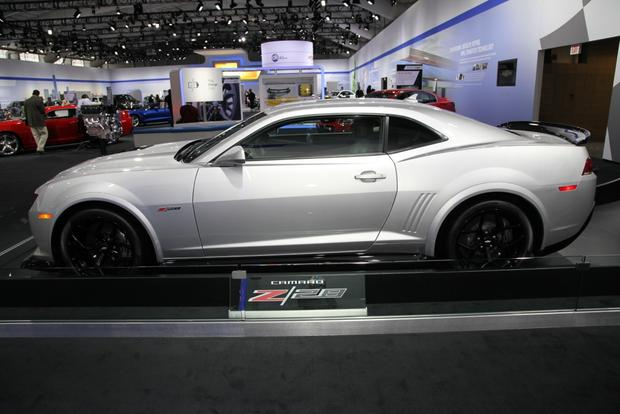 2014 Chevrolet Camaro Z/28: New York Auto Show featured image large thumb2