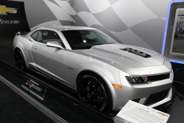 2014 Chevrolet Camaro Z/28: New York Auto Show featured image large thumb4