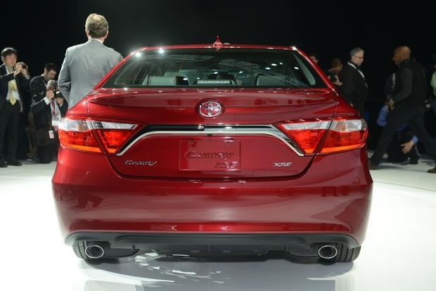2015 Toyota Camry: New York Auto Show featured image large thumb2