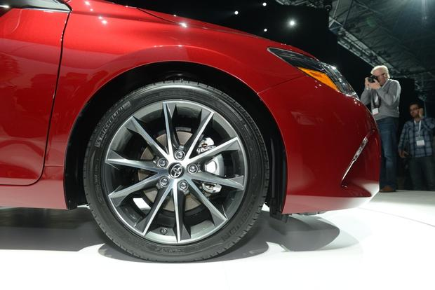 2015 Toyota Camry: New York Auto Show featured image large thumb7