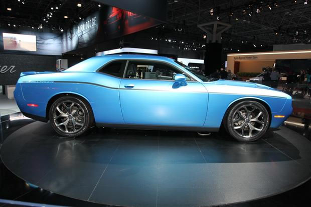 2015 Dodge Challenger: New York Auto Show featured image large thumb0