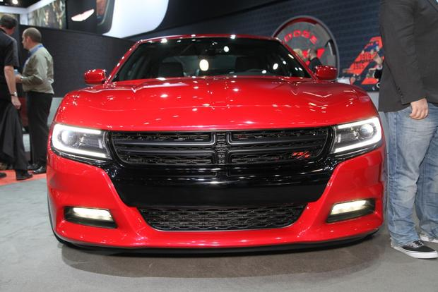 2015 Dodge Charger: New York Auto Show featured image large thumb3