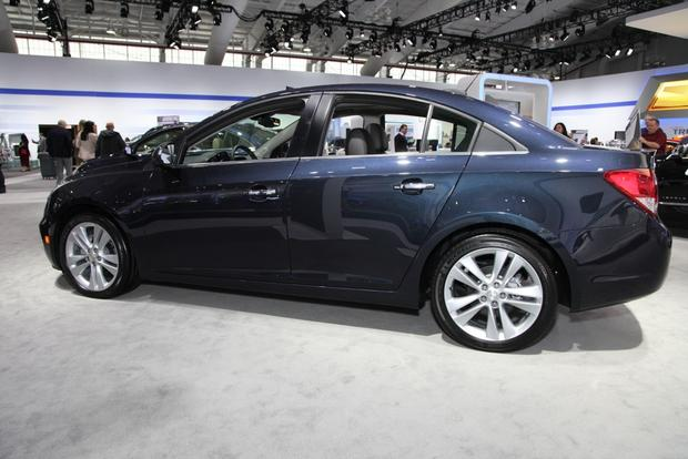 2015 Chevrolet Cruze: New York Auto Show featured image large thumb2
