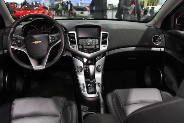 2015 Chevrolet Cruze: New York Auto Show featured image large thumb8