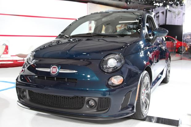 2015 FIAT 500: New York Auto Show featured image large thumb0