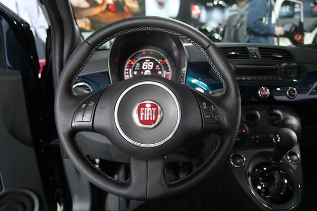 2015 FIAT 500: New York Auto Show featured image large thumb8