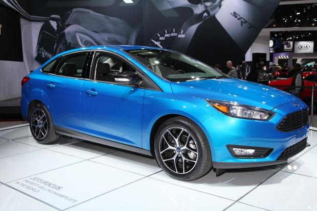 2015 Ford Focus: New York Auto Show featured image large thumb3