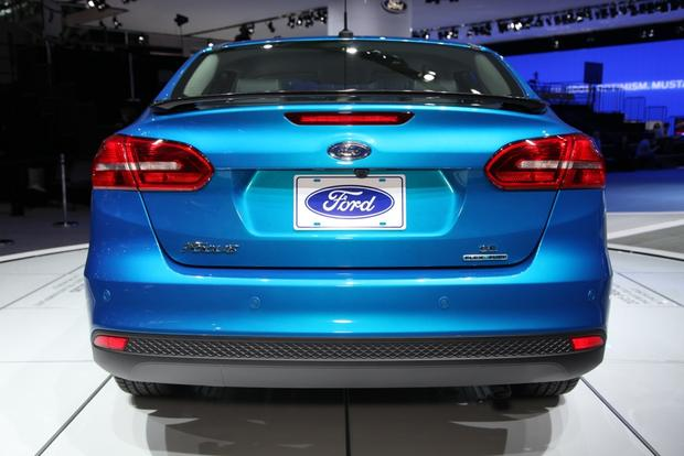 2015 Ford Focus: New York Auto Show featured image large thumb5