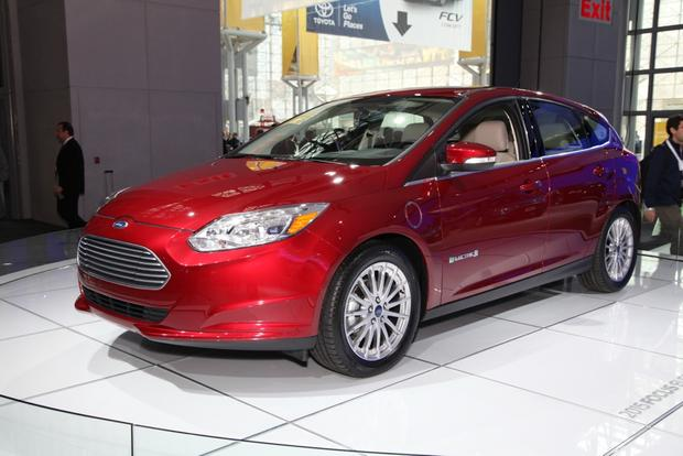 2015 Ford Focus: New York Auto Show featured image large thumb6