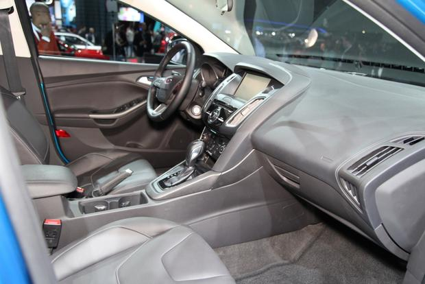2015 Ford Focus: New York Auto Show featured image large thumb12