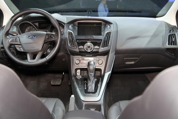 2015 Ford Focus: New York Auto Show featured image large thumb13