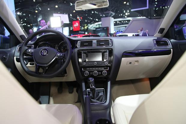 2015 Volkswagen Jetta: New York Auto Show featured image large thumb8