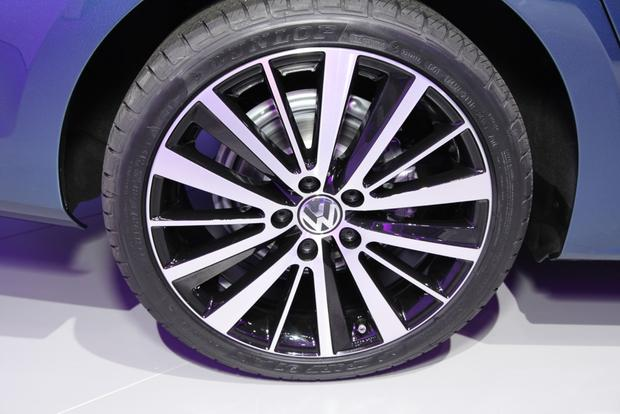 2015 Volkswagen Jetta: New York Auto Show featured image large thumb9