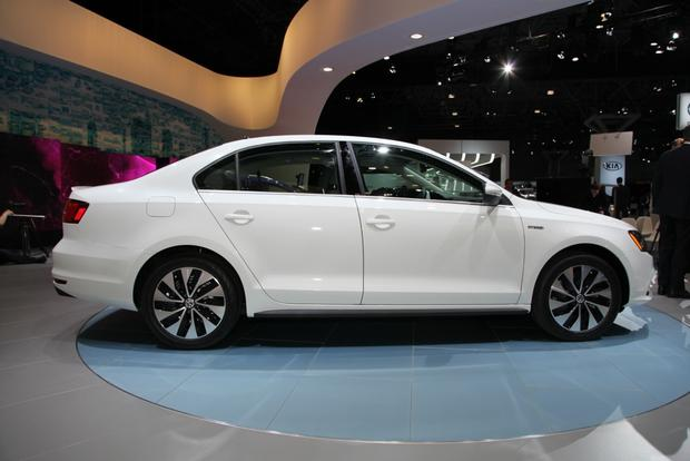 2015 Volkswagen Jetta: New York Auto Show featured image large thumb12