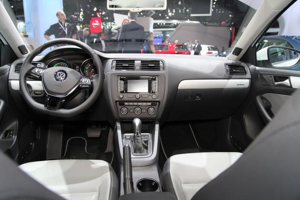2015 Volkswagen Jetta: New York Auto Show featured image large thumb18