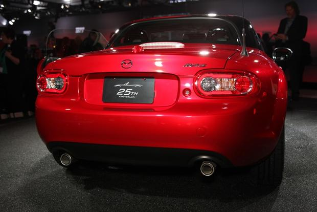 2015 Mazda MX-5 Miata: New York Auto Show featured image large thumb2