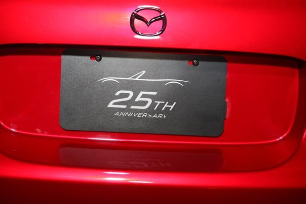2015 Mazda MX-5 Miata: New York Auto Show featured image large thumb3