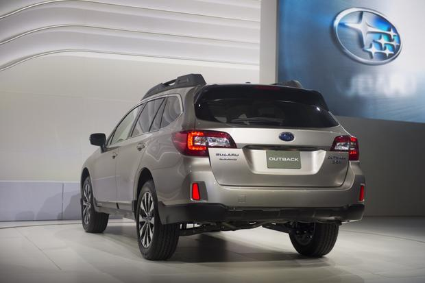 2015 Subaru Outback: New York Auto Show featured image large thumb1