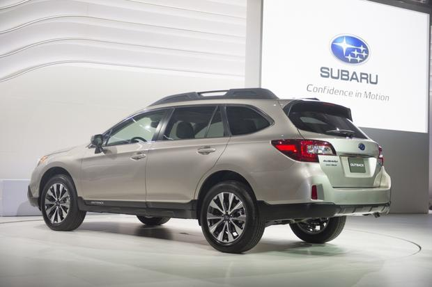 2015 Subaru Outback: New York Auto Show featured image large thumb2