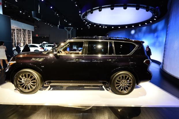 2015 Infiniti QX80: New York Auto Show featured image large thumb0