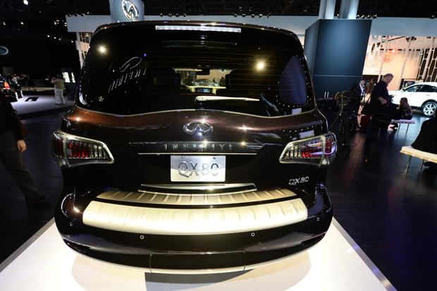 2015 Infiniti QX80: New York Auto Show featured image large thumb3