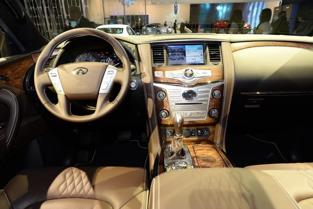 2015 Infiniti QX80: New York Auto Show featured image large thumb6